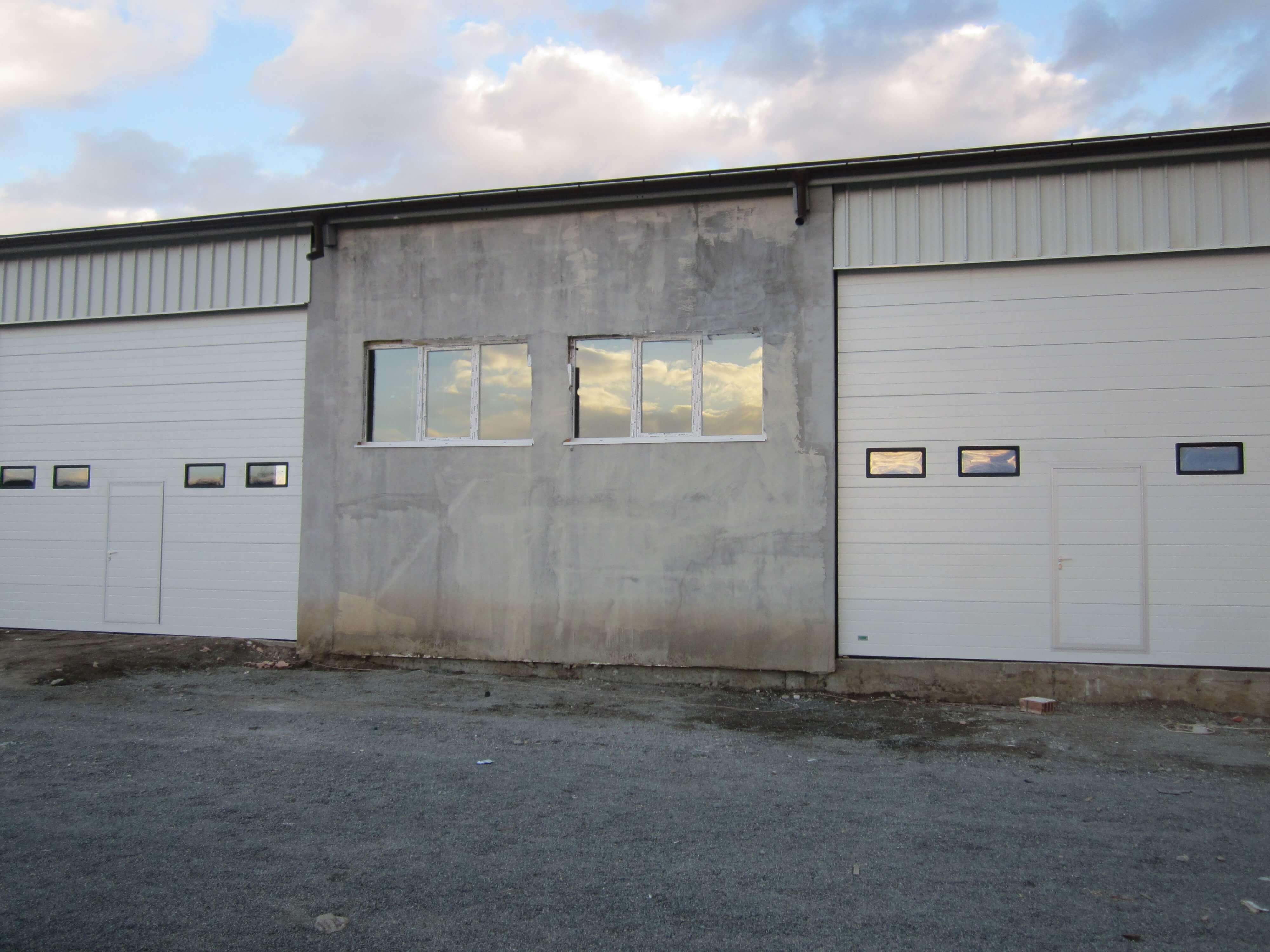 Индустриална врата 16