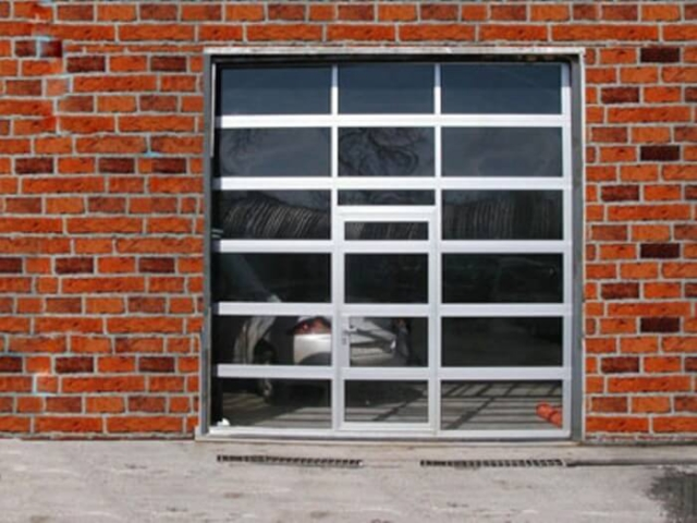 Индустриална врата 1