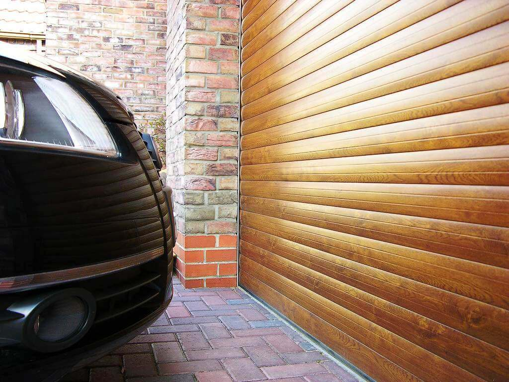Ролетна гаражна врата – термоизолирана, Златен дъб