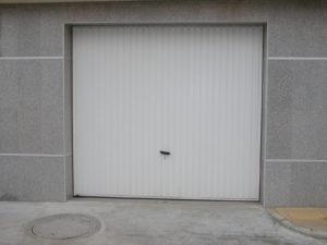 Врата тип летящо крило