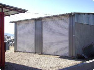 Ролетна врата с плътен ламел 105