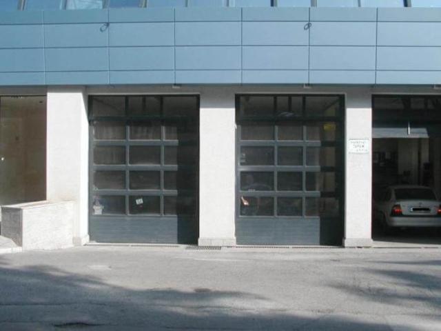 Индустриална врата 2