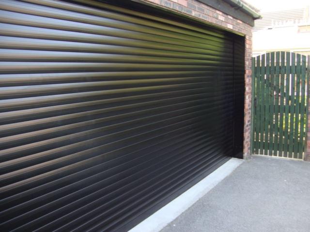 Ролетна гаражна врата – термоизолирана, цветна