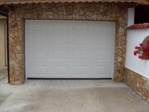 Секционна врата 8